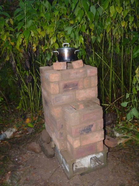 Rocket stove with cob mortar