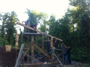 Lifting the frame onto the Hobbit Sauna